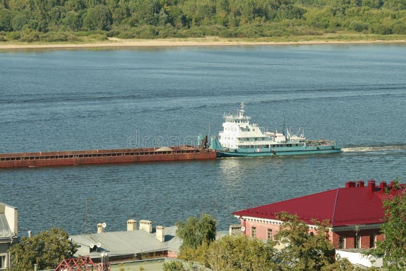 Die Stadt auf dem Fluss Oka lizenzfreies stockfoto