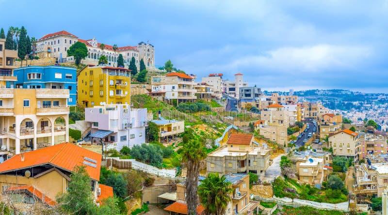 Die Stadt auf dem Hügel lizenzfreies stockfoto