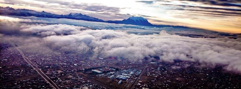 Die Stadt der Anden lizenzfreie stockfotos