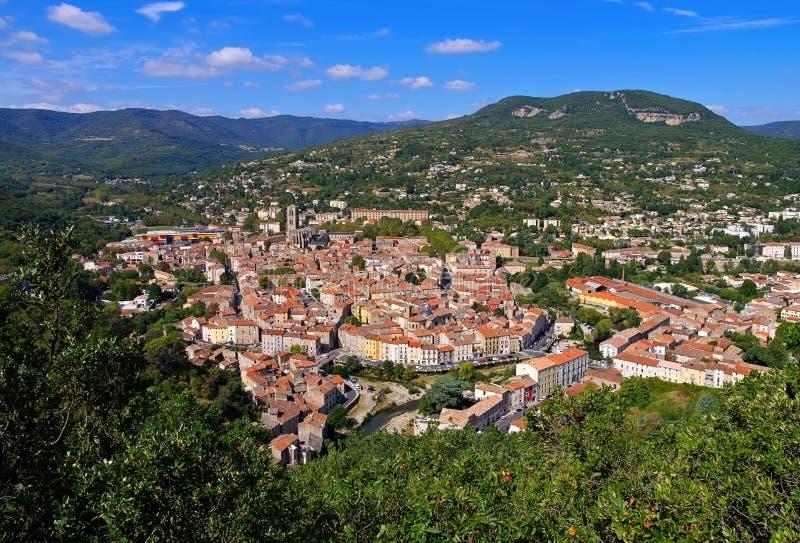 Die Stadt Lodeve in Herault, Languedoc-Roussillon lizenzfreie stockfotografie