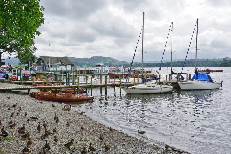 Die Stadt von Ambleside auf See Windermere stockbilder
