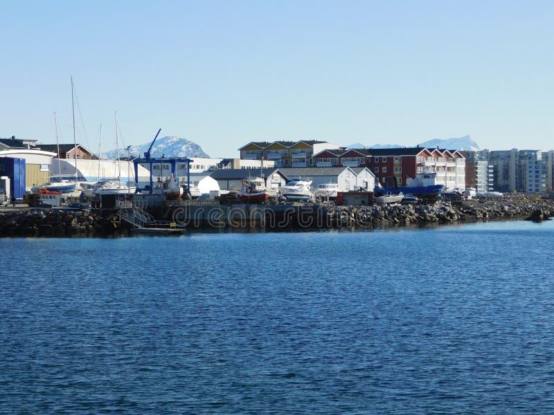 Die Stadt von Bodo, Ansichtform das Wasser lizenzfreie stockbilder