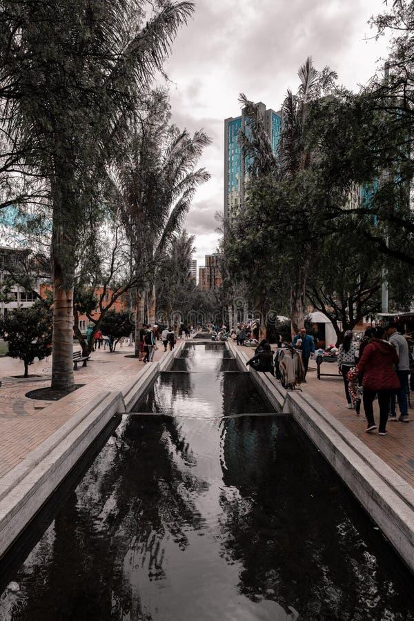 Die Stadt von Bogota in einem Absatzmarkt stockbild