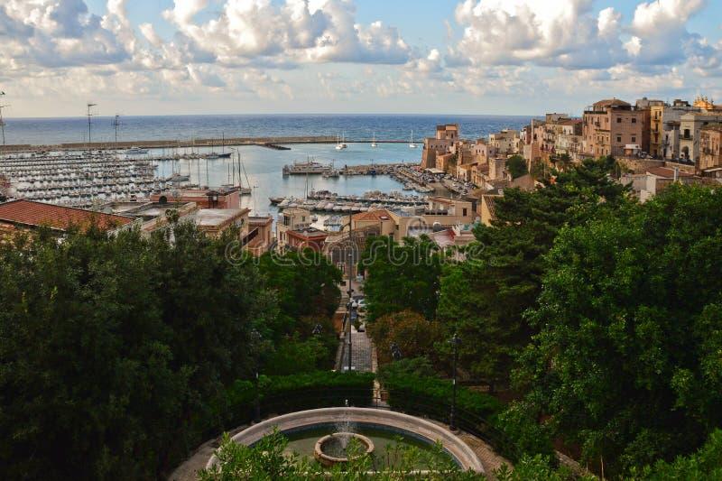 Die Stadt von Castellammare in der Sizilien-Region stockfotos