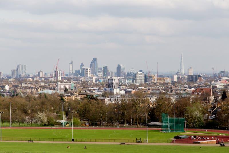 Die Stadt von London-Stadtbild von Hampstead-Heide lizenzfreies stockbild