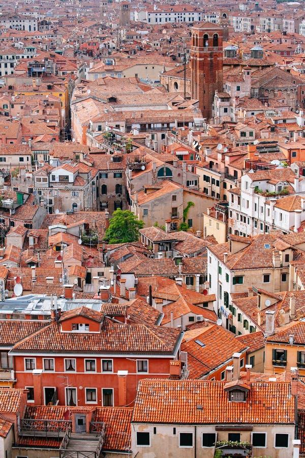 Die Stadt von Venedig von Glockenturm-Glockenturm lizenzfreie stockbilder