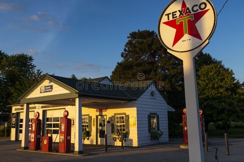 Die Station Ambler-Becker Texaco, eine alte Tankstelle entlang der historischen Route 66 in der Stadt Dwight, im Bundesstaat Illi stockbilder