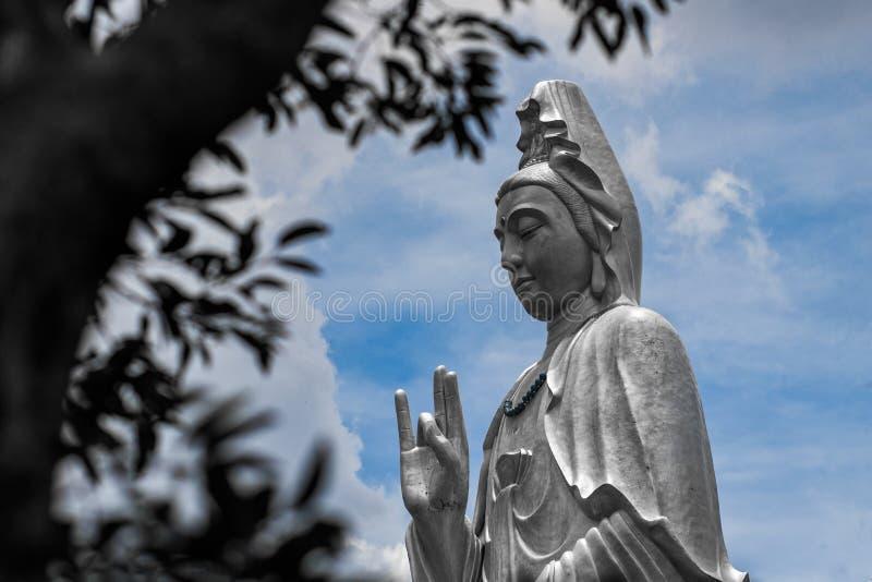 Die Statue des Bodhisattva stockbild