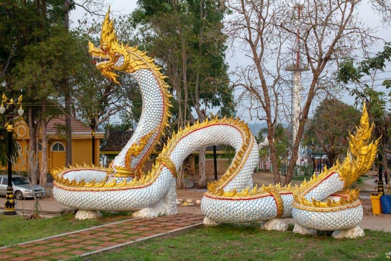 Die Statue des Naga lizenzfreies stockfoto