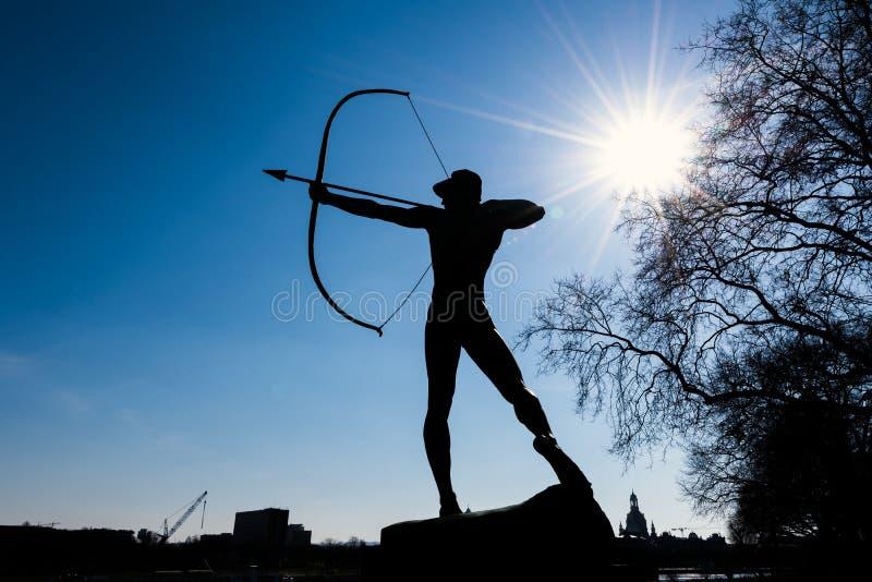 Die Statue von Archer lizenzfreie stockbilder