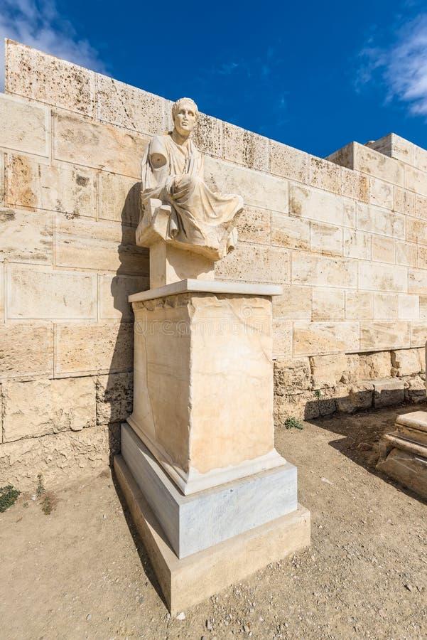 Die Statue von Menander - der Dramatist der Antike in der Akropolise, Athen, Griechenland stockfotos