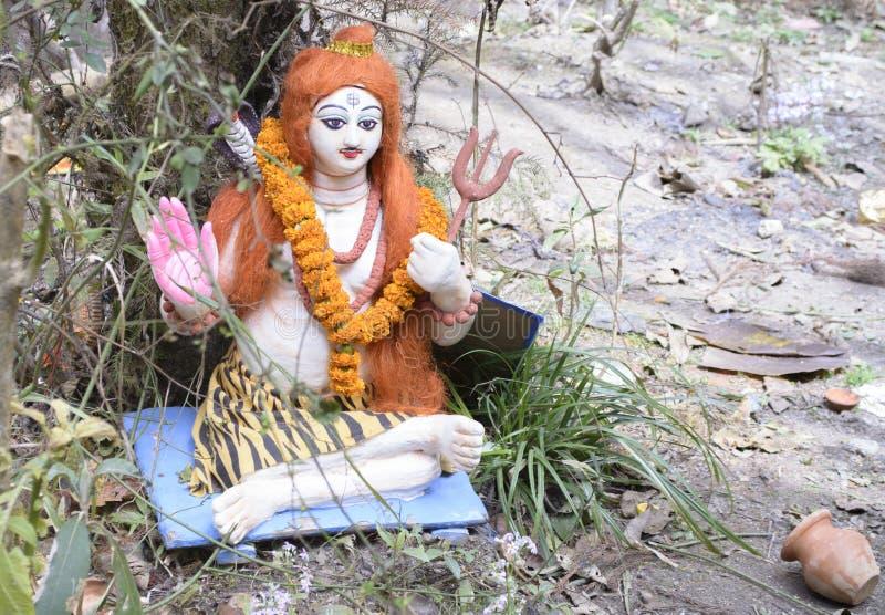 Die Statue von Shiva oder von Shib wird während shivaratri Tages angebetet, der die Nacht von Lord shiva bedeutet stockbilder