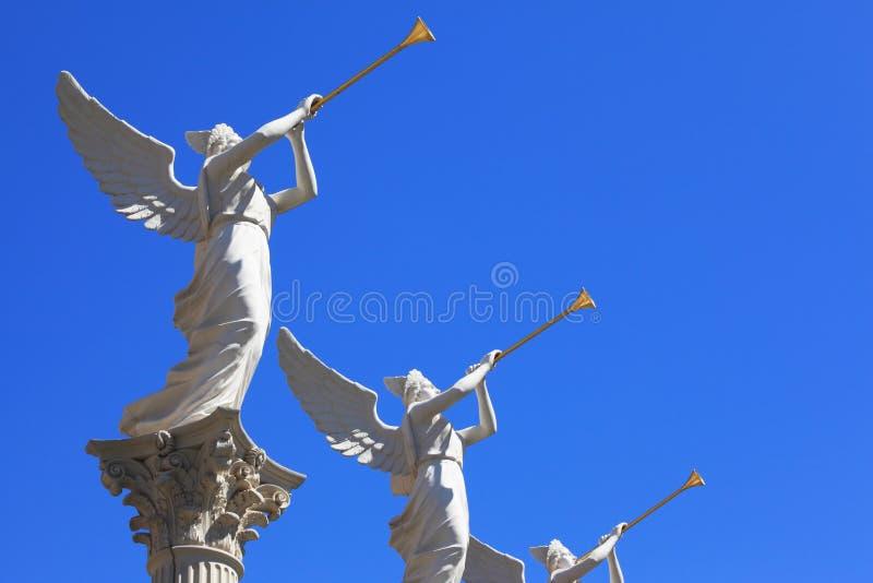 Die Statuen von winged Troubadours stockbilder