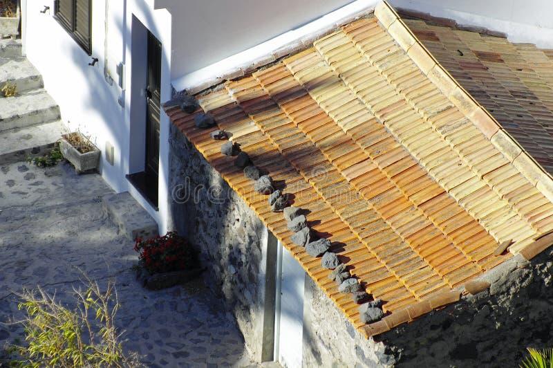 Die Steine Auf Dem Dach Stockbild Bild Von Unfall