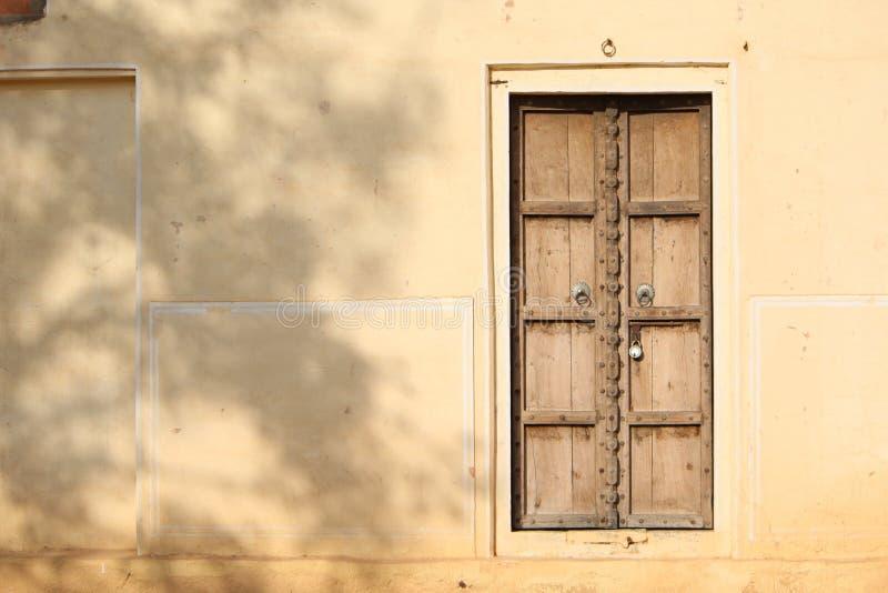 Die Tür lizenzfreies stockbild