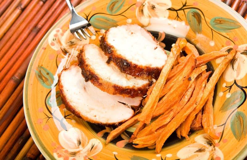 Die Türkei mit süße Kartoffel-Fischrogen lizenzfreie stockfotografie
