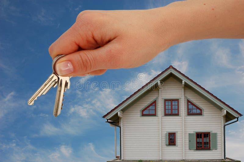Die Tasten für ein neues Haus stockfotos