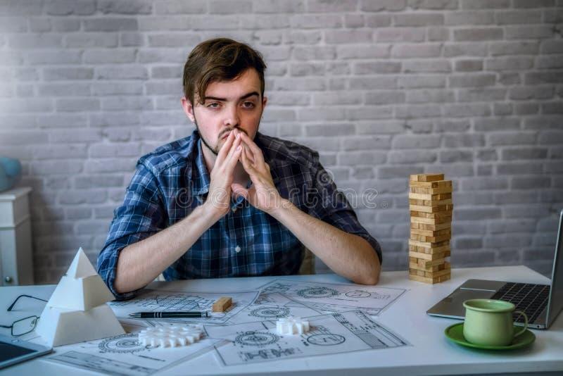 Die Technik von Funktion mit dem Entwerfen von mechanischen Teilen verwendet Drucken 3D für Beispielmodell lizenzfreie stockfotos