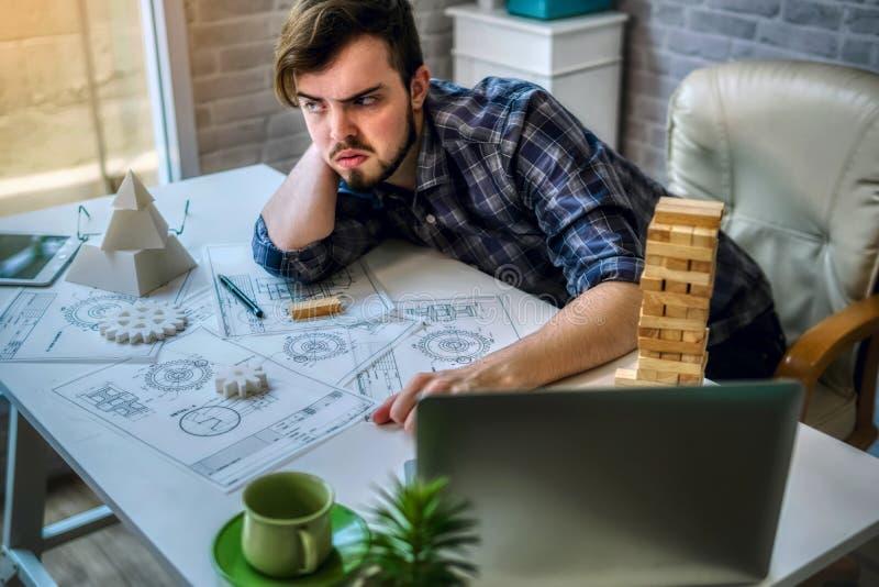 Die Technik von Funktion mit dem Entwerfen von mechanischen Teilen verwendet Drucken 3D für Beispielmodell stockfoto