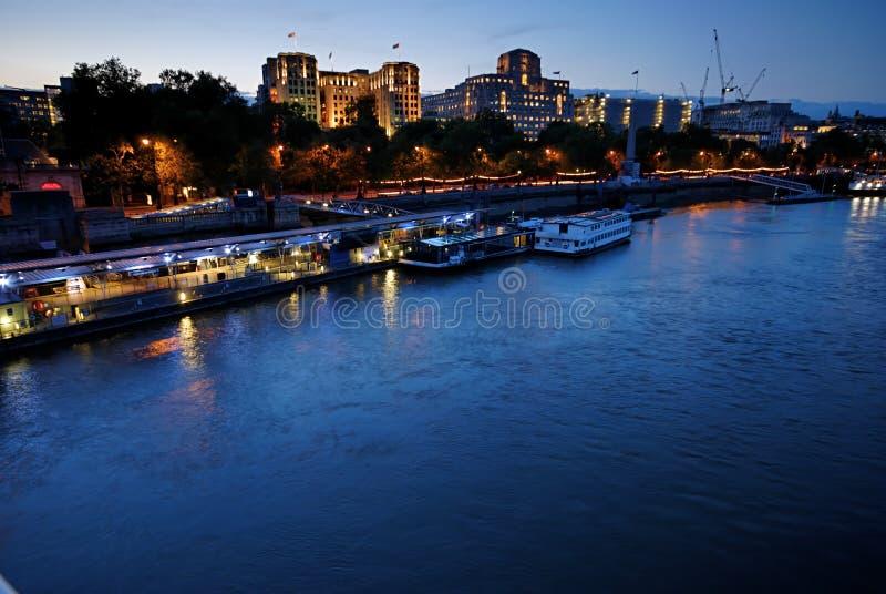 Die Themse-Gebäude - 5 stockbild