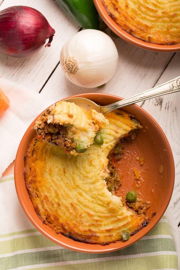 Die Torte des Schäfers mit Kartoffel stockfotografie