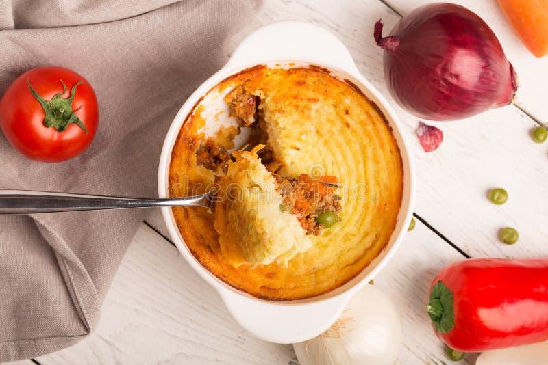 Die Torte des Schäfers mit Kartoffel stockbilder