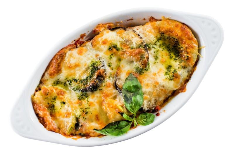 Die traditionelle Lasagne, die mit Rindfleisch, Soße von Bolognese gemacht wurde, überstieg mit stockfoto