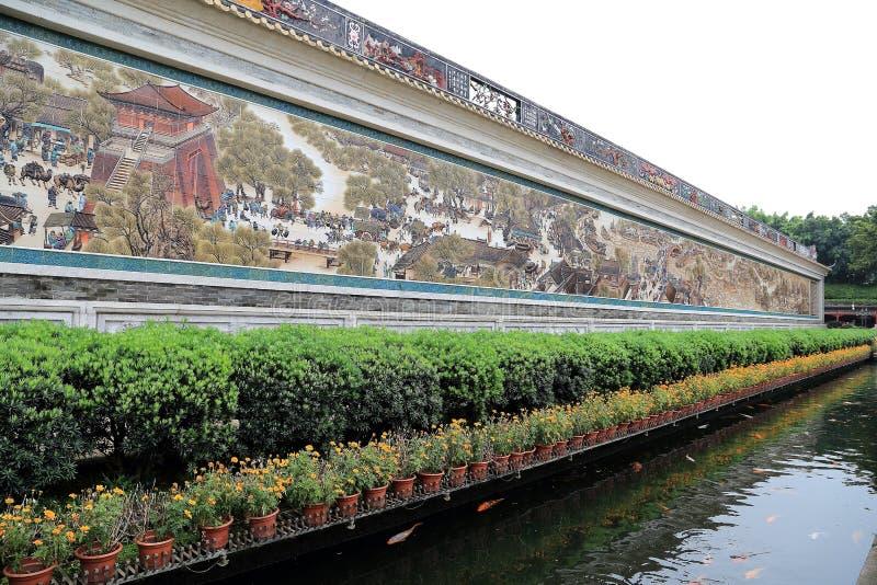 Die traditionellen Chinesen arbeiten, der baomo Garten in Guangzhou, Porzellan im Garten stockbilder