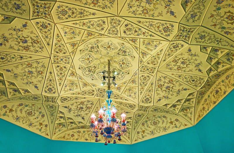 Die ungewöhnliche Deckendekoration, Malek Museum, Teheran, der Iran lizenzfreie stockfotos