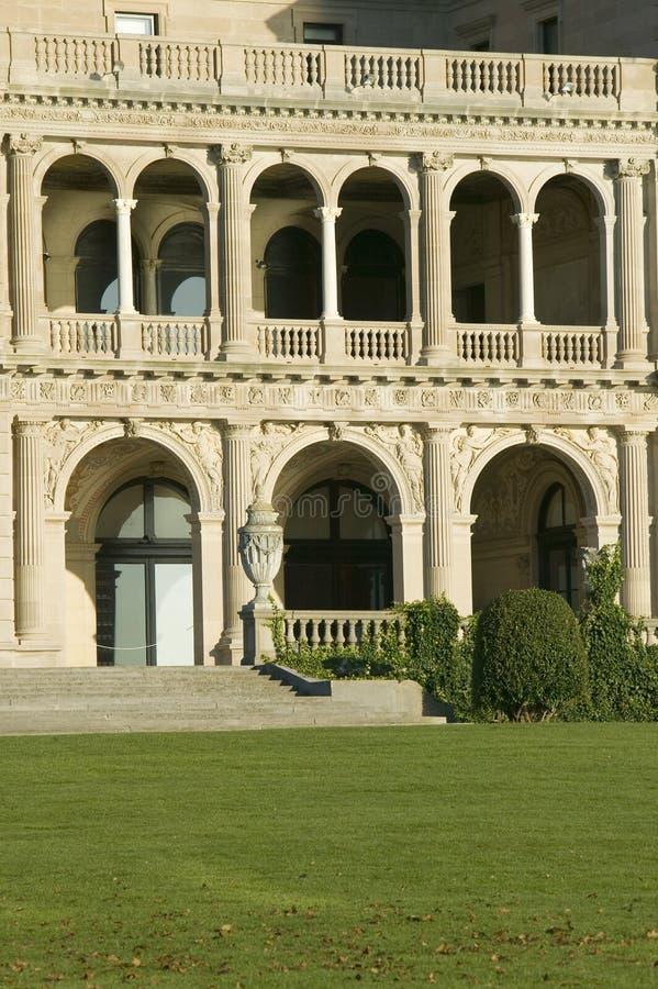 Die Unterbrecher, errichtet von Cornelius Vanderbilt des vergoldeten Alters, wie auf Cliff Walk gesehen, Cliffside-Villen von New lizenzfreies stockfoto