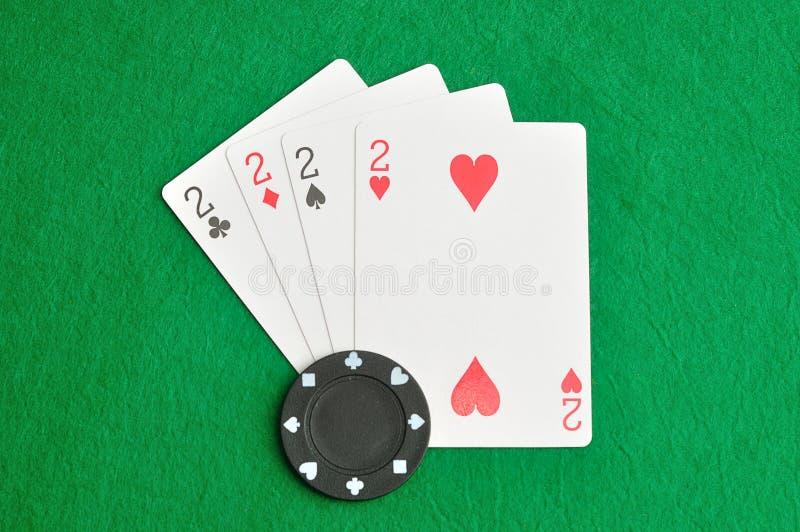 Die unterschiedliche Klage der Karten der Nr. 2 in einem Kartenstapel stockfotos
