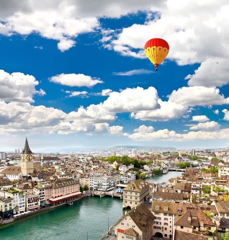 Die Vogelperspektive von Zürich-Stadt stockfotografie