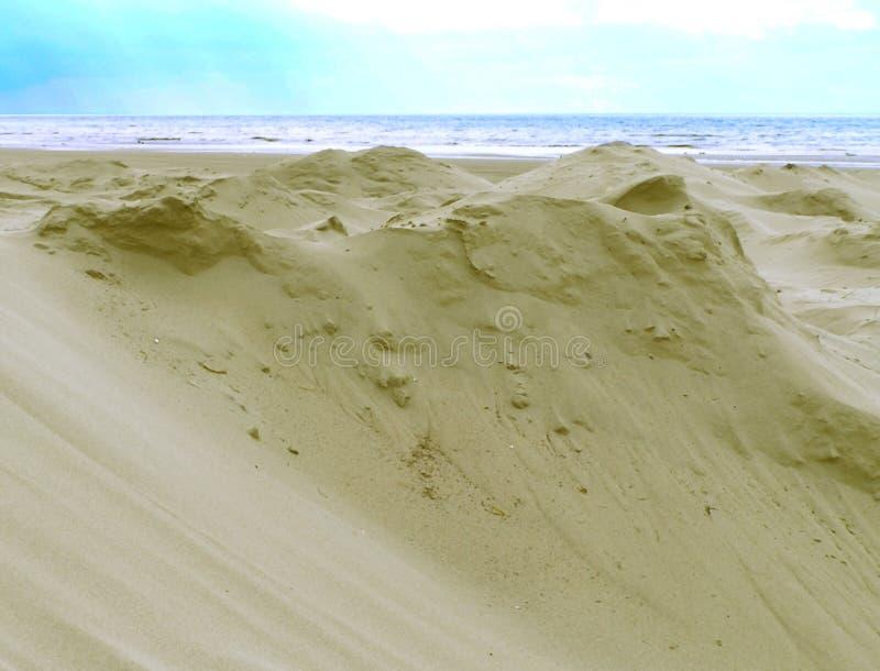 Download Die Wüsten-Sande stockbild. Bild von fließen, himmel, ozean - 32005