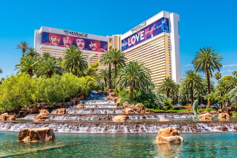 Die Wasserfälle des Trugbild-Hotels und des Kasinos stockbild