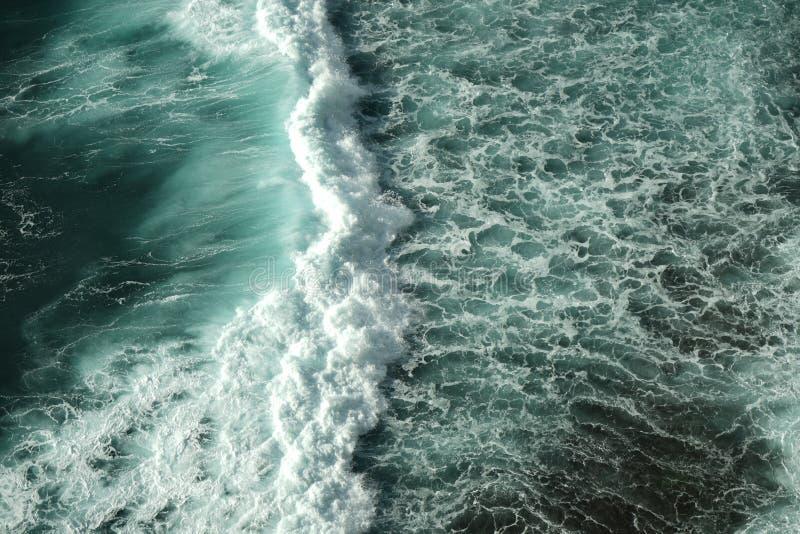 Die Wellen lizenzfreies stockbild