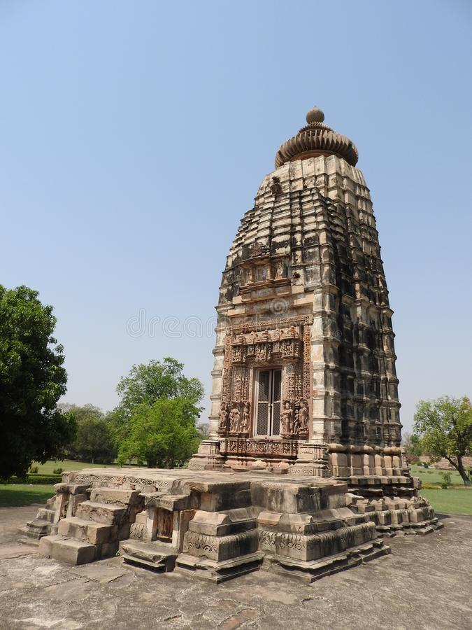 Die Westgruppe von Tempeln, Khajuraho, an einem vollen Tag, Madhya Pradesh, Indien, UNESCO-Welterbestätte stockbild