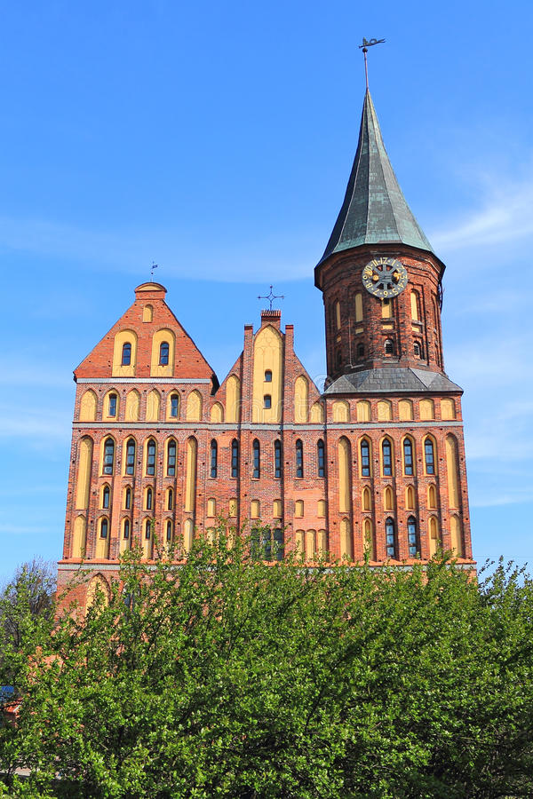 Die wieder hergestellte Kathedrale stockfotografie
