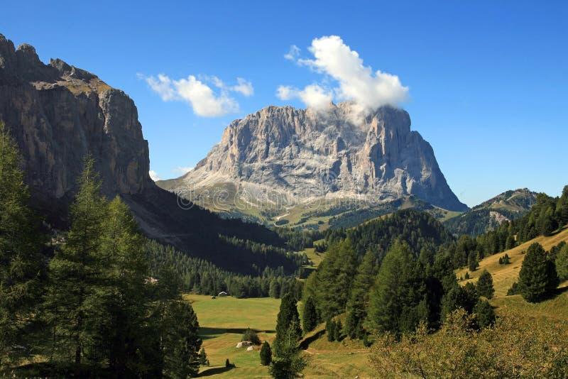 Die wundervolle Gebirgswelt im Südtirol lizenzfreie stockfotos