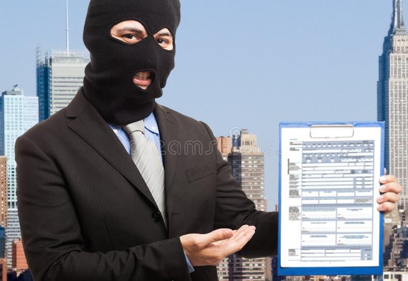 Dief die een document toont royalty-vrije stock foto's