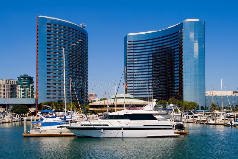 Diego-Hafen und im Stadtzentrum gelegenes lizenzfreie stockbilder