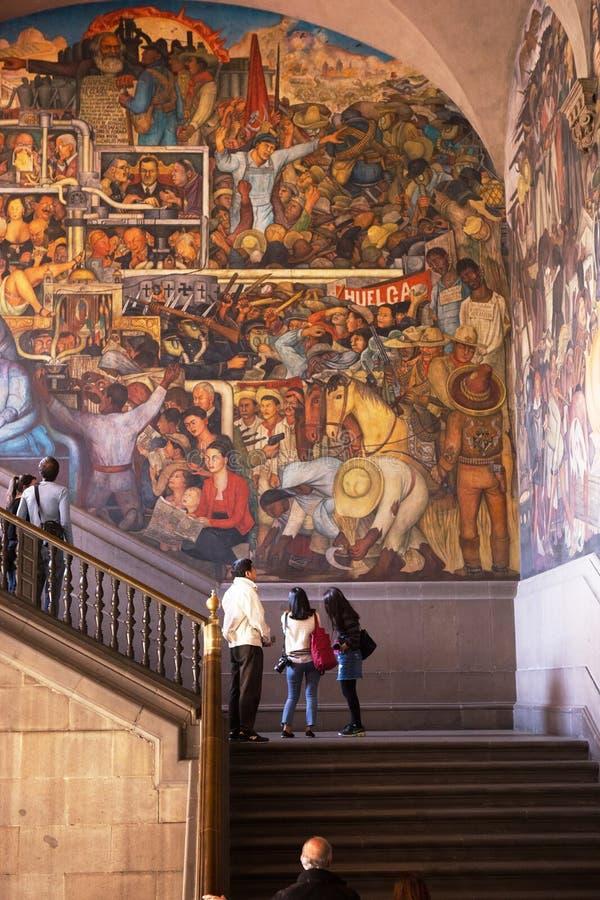 Diego Rivera väggmålning, Palacio Nacional, Mexico - stad royaltyfria foton