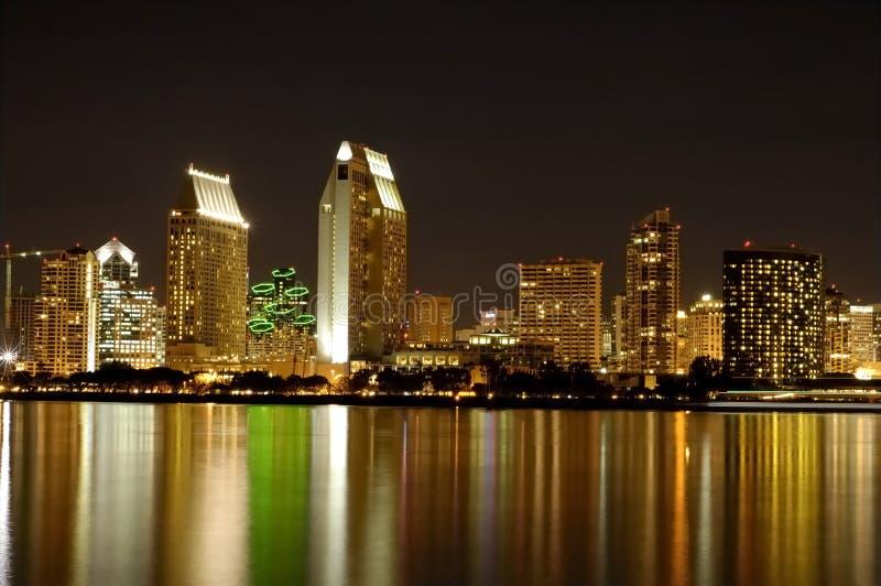 Diego-Skyline nachts lizenzfreies stockfoto