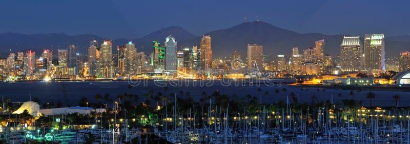 Diego-Skyline nachts stockbilder