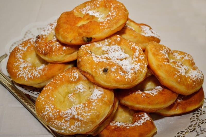 Dienblad van donuts royalty-vrije stock afbeeldingen