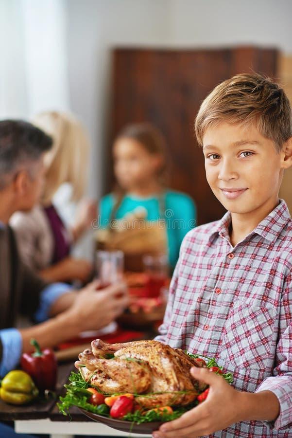 Dienend vlees voor diner royalty-vrije stock foto's