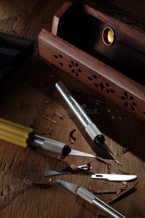 Dienstmesser und Werkzeugkasten lizenzfreie stockbilder