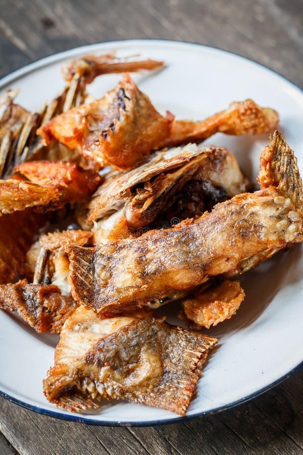 Diep Fried Tilapia Fish met zoute, Hoogste mening stock foto