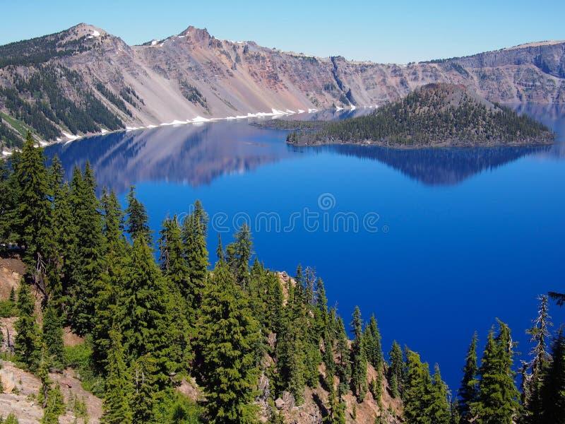 Diepe blauwe wateren royalty-vrije stock fotografie