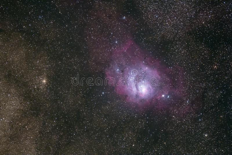 Diepe hemelfoto van de Nevel van Orion ` s en dichte sterren stock foto