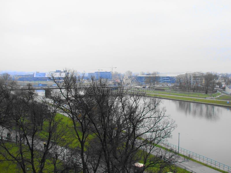 Diepe rivier in Krakau stock afbeeldingen